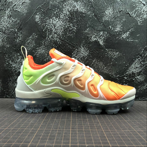 e7bf309b68b5f Cheap Wholesale Nike Womens Air Vapormax Plus AO4550-003 White Light Menta  Blanc Menthe Claire Blanc