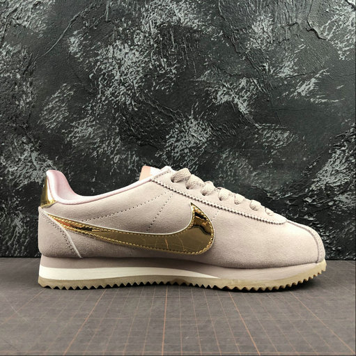 Wholesale Cheap Womens 2019 Cheap Nike Classic Cortez SE Diffused Taupe Gold Gum Shoes 902856-204